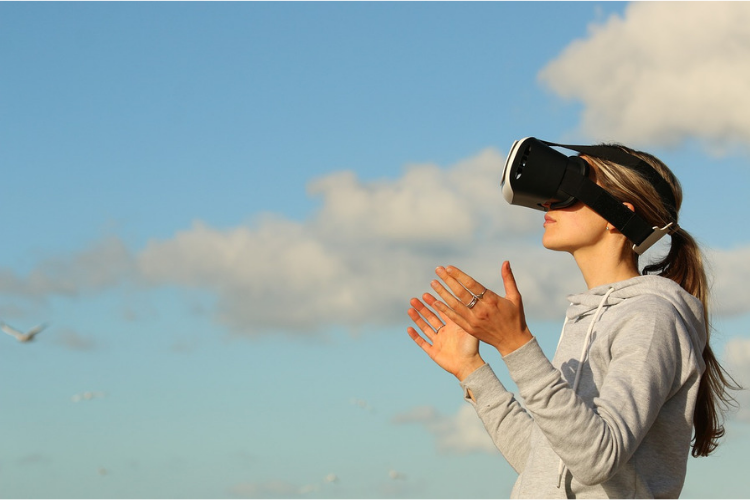 VR,活用